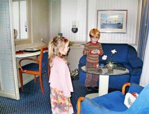 Danskebåten barn i lugar